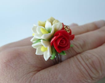 ring multicolor bouquet of flowers in cold porcelain