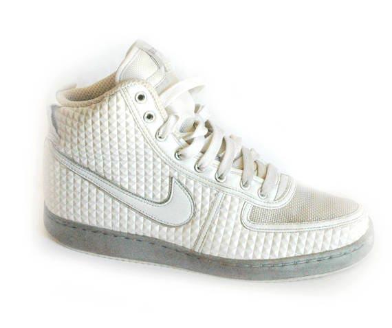 Nike, retro sportswear, white nike, basketball