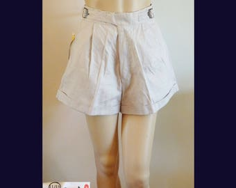 NOS NWT 80s High Waist Cotton Ramie Short Shorts~Ecru White~Pin-Up~28 Inch Waist can be Adjusted Smaller~New True Vintage~Rockabilly~Hipster