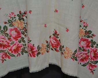 Vintage floral wool shawl, Ukrainian floral head scarf, floral babushka shawl, floral 1980s wool shawl, Russian floral wool scarf