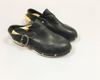 70s Black Wooden Clogs / Wooden Slippers 70s /Black  Wooden Sabot / Wooden Mules 70s / Slip on clog / Brown Clogs / Wooden Sandals for women