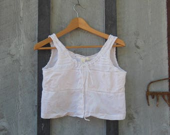 white cotton crop top peasant blouse / 90s vintage button up lace ribbon tie / Lolita cute summer spring garden party / Victorias Secret M