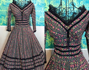 Vintage 1950s 1960s Dress - Paisley Folk Print Cotton Day Dress - S