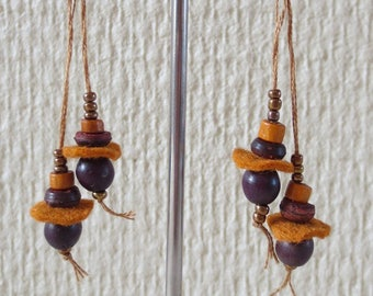 Brown beads and 9 felt earrings