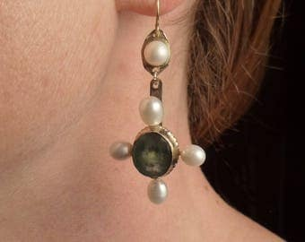 10K Spanish Facetted Emerald and Pearl earrings