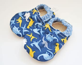 Dinosaur baby shoes, baby shoes boy, toddler shoes, soft sole shoes, baby moccasins, baby booties, baby moccs, soft-sole, dinosaur, blue