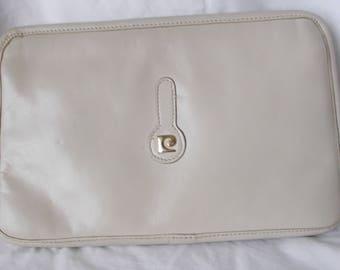 Vintage Pierre Cardin leather shoulder bag.