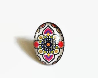ring * Mexican folklore * traditional Mexico fuchsia green glass cabochons flowers pattern