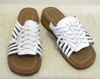 Women's,Cute White Vintage 80's,Woven Leather SANDALS By Nature Trek.7