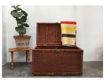 Vintage Wicker Trunk   Large Steamer Trunk Coffee Table   Trunk Chest  Organizer   Wicker Trunk Part 37