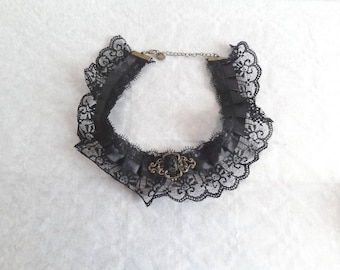 Neck lace Choker