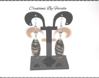 Oval shaped Green and gold earrings