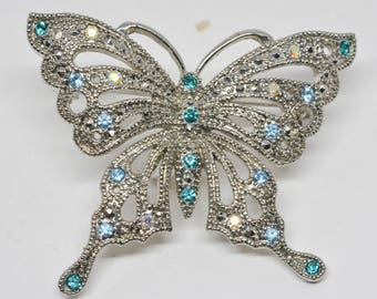 Charming Butterfly Ornament Brooch