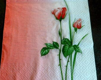 4 red roses paper napkins