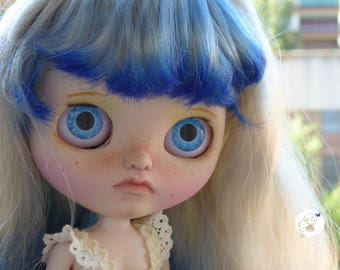 Custom Blythe Dolls For Sale by Flora Blue custom edeadolls. Dainty Biscuit.
