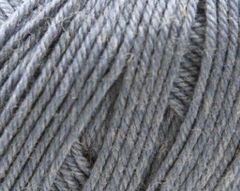 Cascade 220 Superwash 1944 + Free Patterns - 8.50 +1.50ea to Ship - 1944 West Point Blue Heather - 220yds Worsted Weight - MSRP 11.00