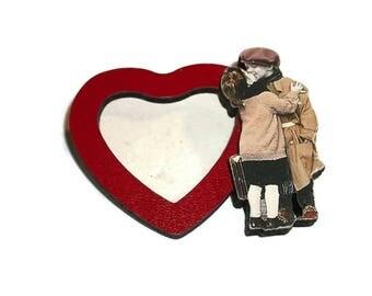 Vintage Couple Kissing Heart Photo Frame Brooch