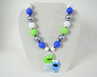 Sesame Street Alloy Pendant Girl's Chunky Bubblegum Bead Necklace Cookie Monster & Oscar The Grouch