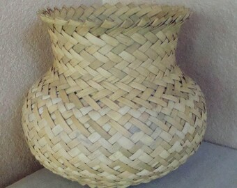Vintage Tarahumara Copper Canyon Hand Woven Native American Indian Basket Bowl Jar