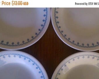 "Holiday Sale Corelle Snowflake Blue Garland Lunch Salad Plates 6.75"" (set of 4) Cottage Chic Vintage Tab Holiday Winter Decor"