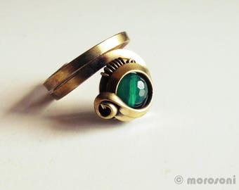 Adjustable green ring - faceted green agate - antique - emerald green