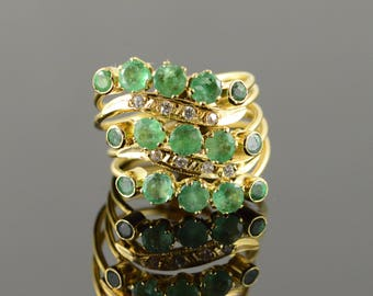18k 1.75 CTW Emerald 5 Connected Puzzle Ring Gold