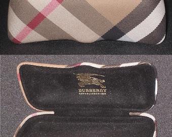"BURBERRY CASE for eye glasses M:6.62""Lx1.97""Hx2.36""W / 16Lx5Hx6W cm (free shipping)"