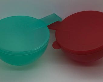 Vintage Tupperware Forget Me Not Onion Keeper Tomato Fridge Refridgerator Storage  Red Green  Lot Of 2 4201