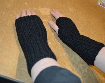 gloves without fingers