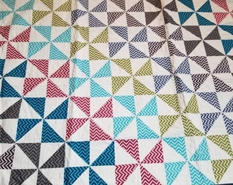 Pinwheel throw quilt