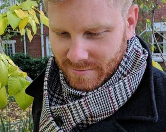 Woollen Black, White and Purple Houndstooth Plaid Button Up Scarf