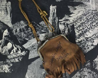 1928 Douglas Lodge Arizona Leather Souvenir Change Purse With Indian Design