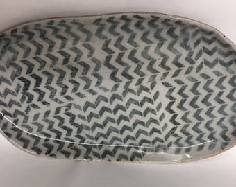 Platter with geometric pattern