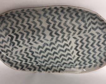 Platter // geometric pattern // stencil // serving plate // stoneware // ceramic // oval