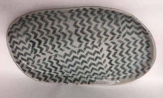 Platter with geometric pattern