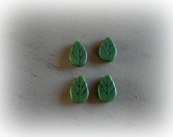 4 beads leaf 13 * 9 mm Green howlite