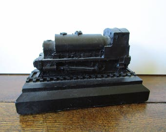Decorative  Steam Train, Black Locomotive,  Model Of a Steam Locomotive, Coal Train, Collectible Trains