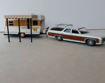 Chevy Estate Woody Wagon Towing A 1964 Winnebago Glamper Camper Travel Trailer 1/64 Scale Die Cast Metal Adult Collectible Model Car/camper