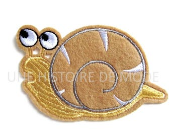 coat, patch Thermo snail to sew or iron 88 x 54 mm - applique iron-on