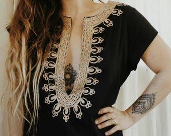 Vintage embroidered ethnic kaftan // afghan boho hippie dress