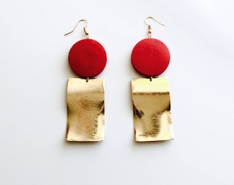 Red circle square plate earrings