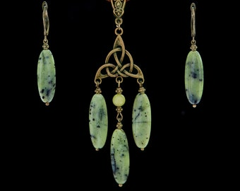 Green russian jade Celtic triskele necklace Oval gemstone earrings Daily jewelry set Good luck talisman Pendant amulet Gift for grandmother