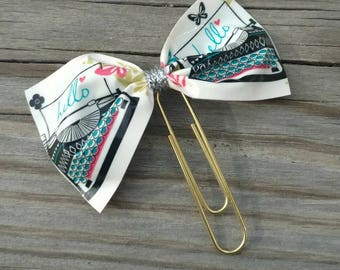 Type writer planner clip, type writer paper clip, Bow paper clip, Bow bookmark, Gift for planners, Planner addict gift, Cute paper clip