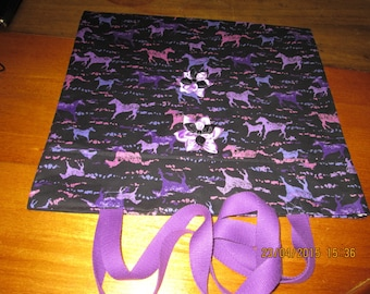 SAC bandoulière en tissu miller horse pattern, cover with a fusible interfacing, with 2 Purple webbing