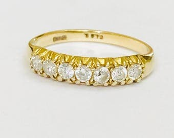 Sparkling vintage 9ct gold cubic zirconia half eternity ring - fully hallmarked