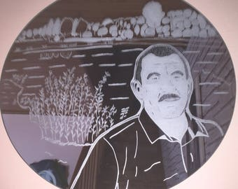 Engraved on mirror 42 cm portrait