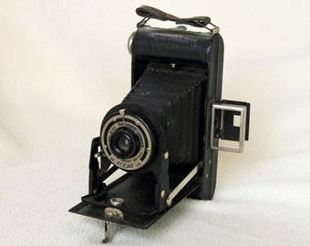 KODAK Folding Brownie SIX-20 Vintage Camera