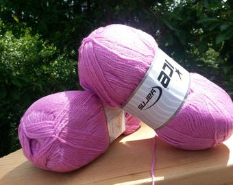 Knitting yarn. Light Pink.  Lot of 2 Skeins Ice Yarns.  Acrylic yarn. Yarn for knitting. Vegan Friendly!