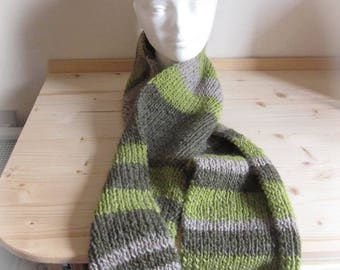 Side 1: 1 green, Tan and gray scarf