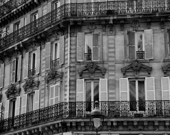 PARIS PHOTOGRAPHY - Paris window